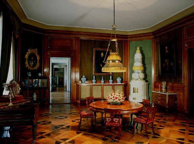 wnętrza zamkowe wystawa sta�a rzesz243w muzea w polsce