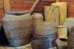 Słomiane i drewniane pojemniki na zboże