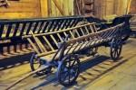 Wóz drabiniasty - fragment wystawy Środki transportu wiejskiego