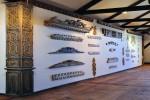 Fragment wystawy - Zdobnictwo drewnianych domów na Białostocczyźnie